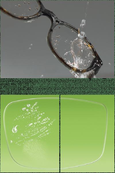 Brillenglas im Vergleich, mit und ohne Abperl-Effekt.