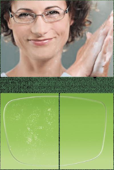 Brillenglas im Vergleich, mit und ohne Antistatik.